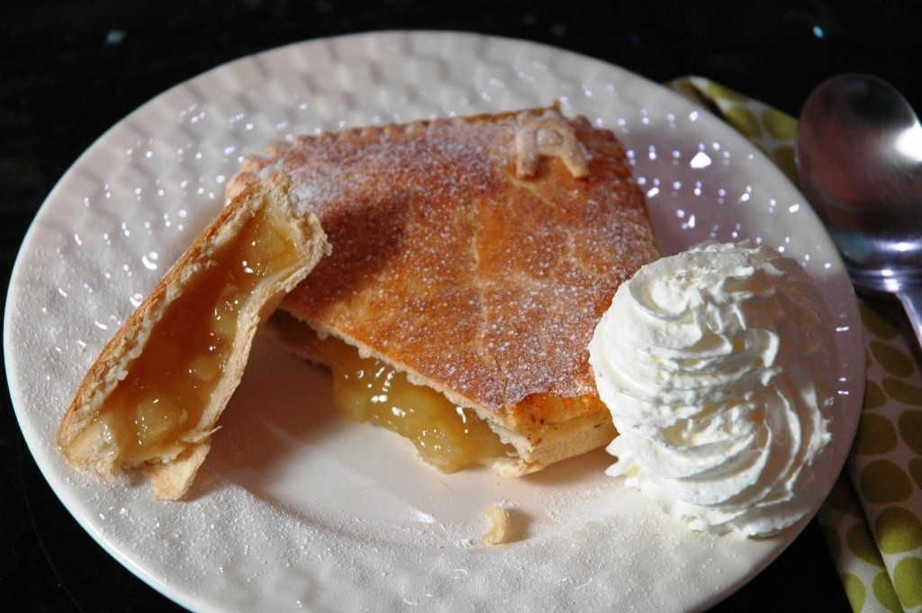 Apple pie and whipped cream