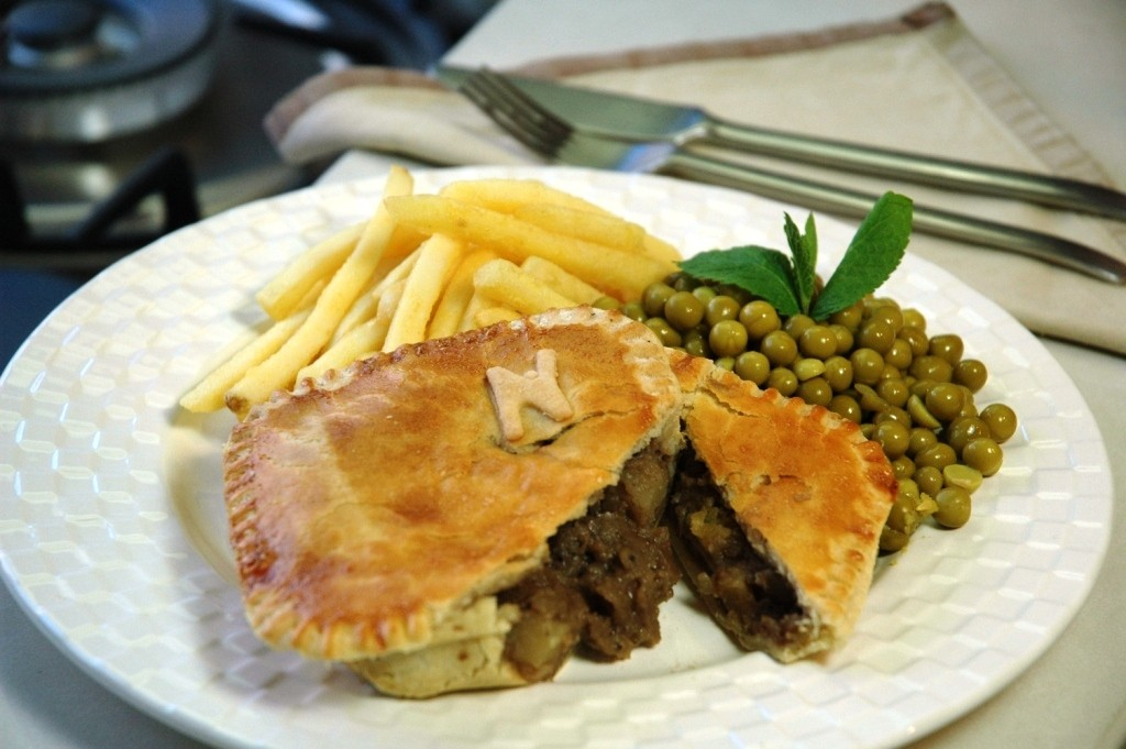Lamb pie with vegetables