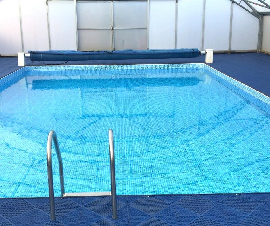 Bradgate Smimming Pool Image