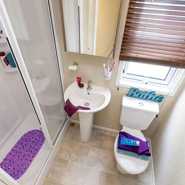 Pemberton Avon Bathroom view 3