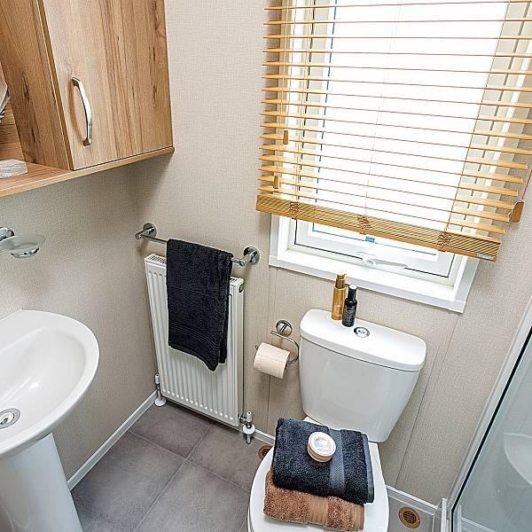 Pemberton Regent Bathroom